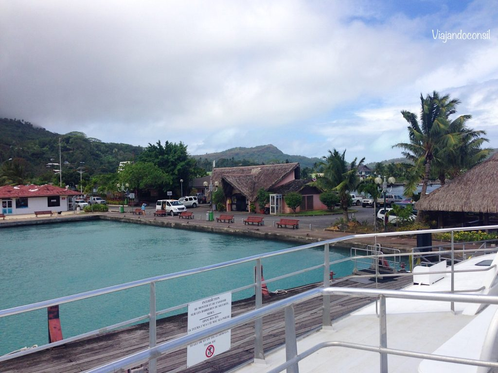 Muelle-en-Bora-Bora