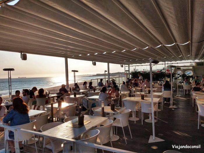 Bar de playa en Estoril
