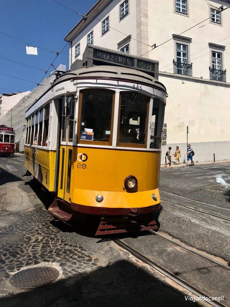alt segundo día en Lisboa en el tranvía 28 en Alfama