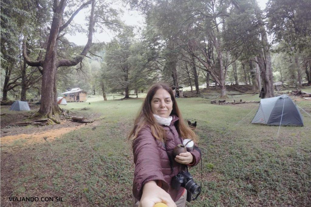 acampando en camping en lago vidal gormas