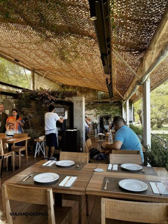 vistas del interior restaurante Charco bistro