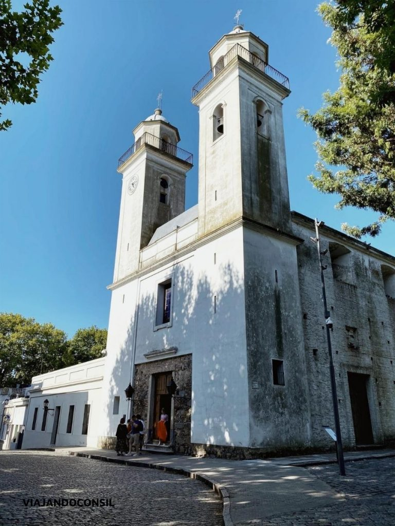 visita iglesia blanca